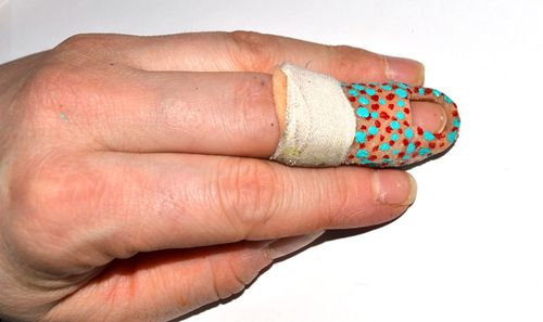Hand-cast-dots